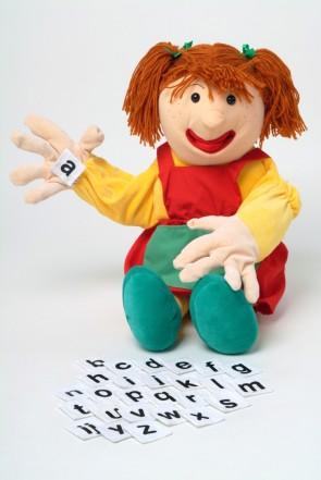 Η Samantha με τα γράμματα