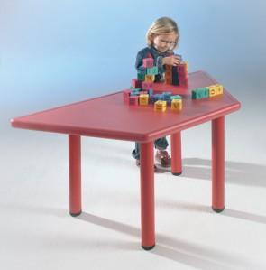Τραπέζι πλαστικό σχήμα τραπέζιο ύψος 50cm